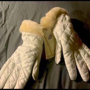 Brand new UGG women's gloves